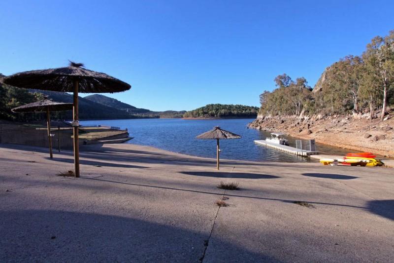 Pêche sur le lac de Garcia Sola