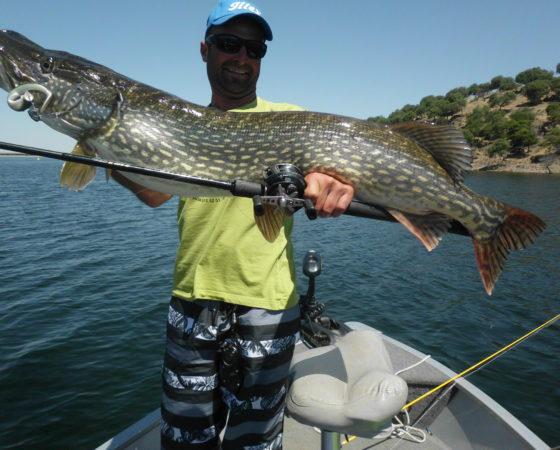 Guide de pêche à Orellana
